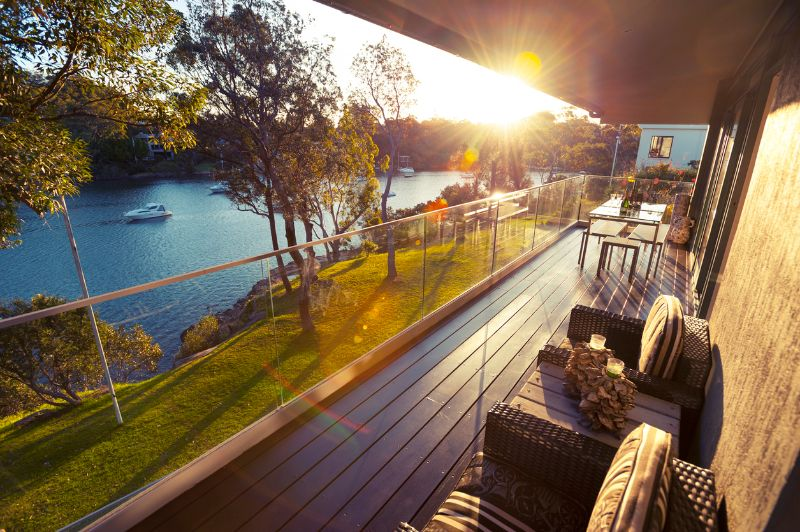 waterfront home balcony in Pickwick Lake, TN